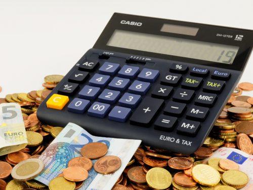 Czy warto pożyczyć pieniądze w firmie pożyczkowej?
